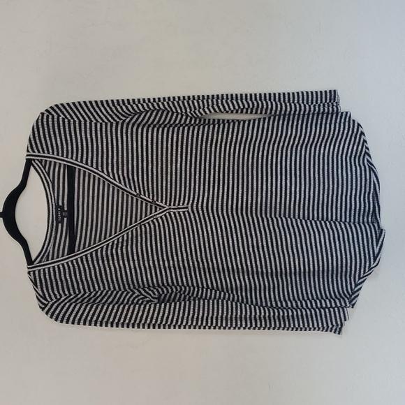 Torrid 00 black white stripe long sleeve